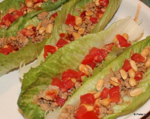 Salaatinlehti korvaa tortillan.