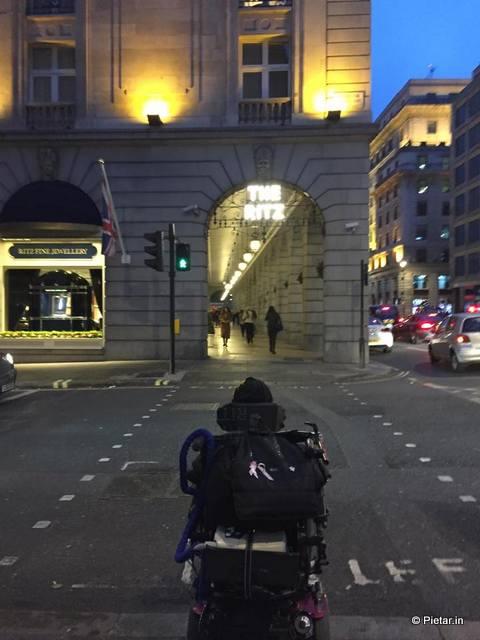 Lontoossa ajelulla.