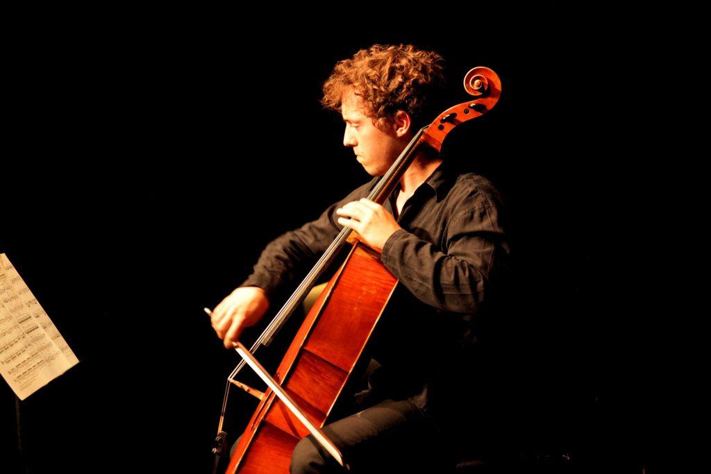 Pieter de Koe cello © Roelof Rump