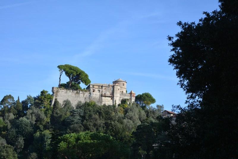 3 borghi da vedere nella riviera di levante liguria portofino castello brown