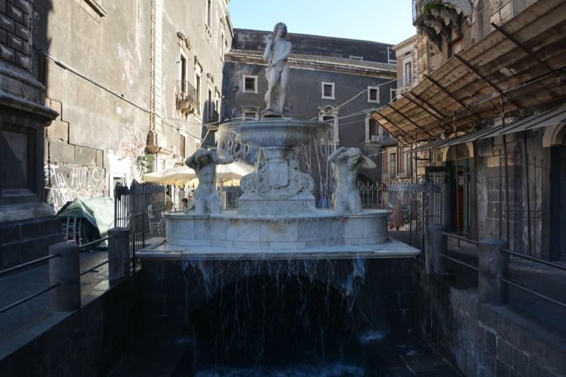 visitare catania in un giorno fontana amenano