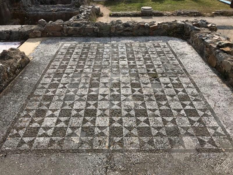 cosa vedere a tossa de mar mosaici villa romana