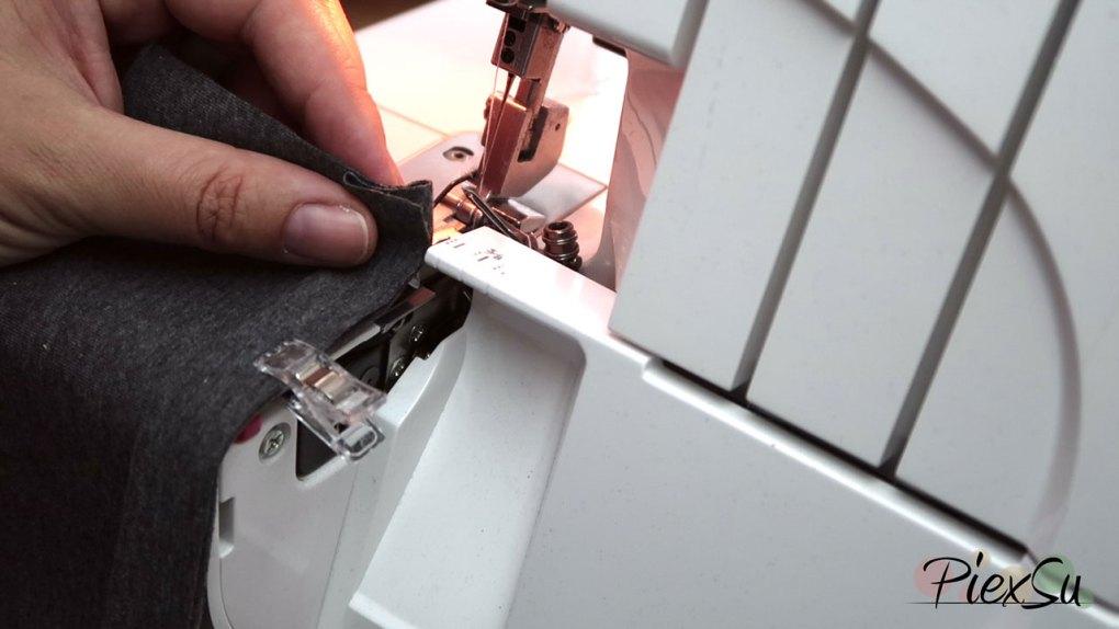 PiexSu-Flatlocksaum-Säumen-mit-der-Overlocknähmaschine-Nähanleitung-Videoanleitung-06