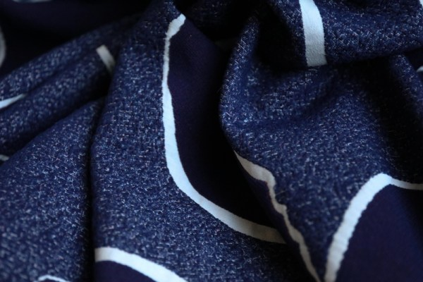 Fur effect JACQUARD leaf on indigo (preorder sep 2020)