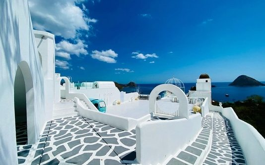 Loccal Collection Hotel
