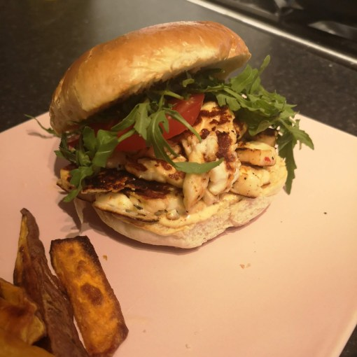 Peri-peri halloumi burger | Joe Wicks (Veggie Lean in 15)