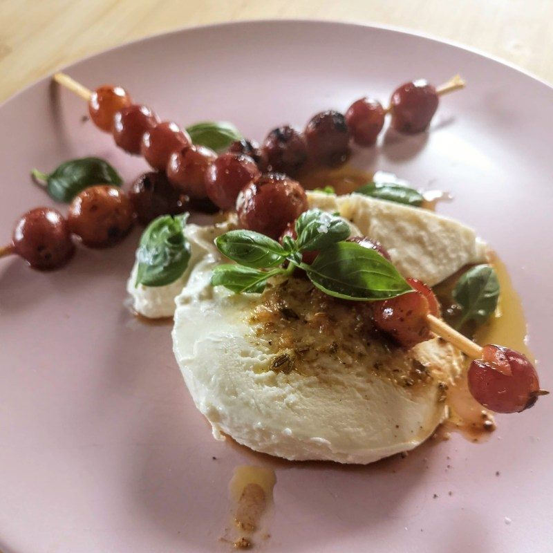 Burrata with chargrilled grapes and basil | Yotam Ottolenghi (Ottolenghi Simple)