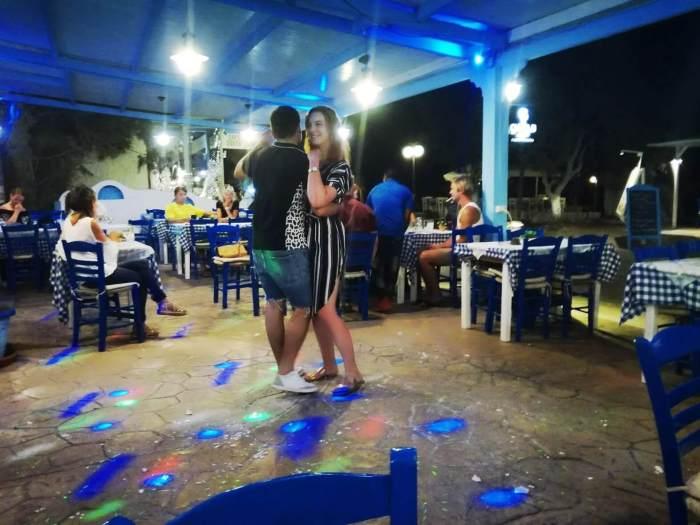 Tancování v Dodo's během řeckého večera
