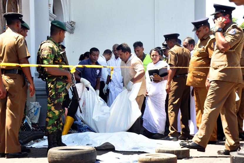 #PrayForSriLanka , Bom Mengguncang 8 Gereja di Sri Lanka