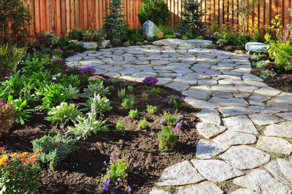 Natural stepping stone backyard patio