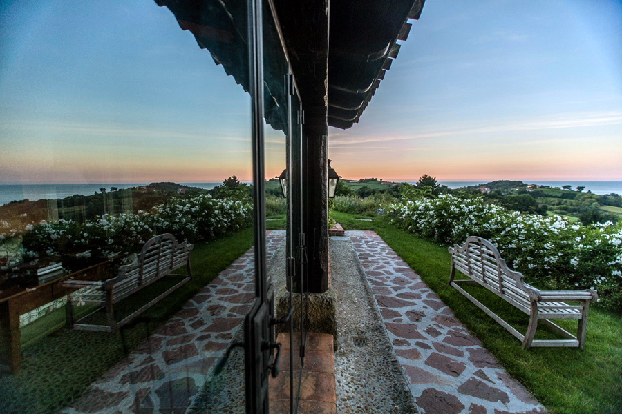 Caserio-Pikamendi-house-walls-04