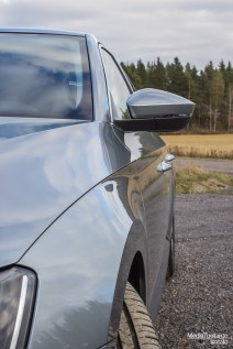 Skoda Superb side profile