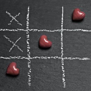 Gra w rozbieranego w kółko i krzyżyk