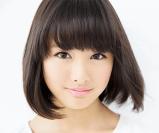 大友花恋の髪がなびいてこっちを見ている画像