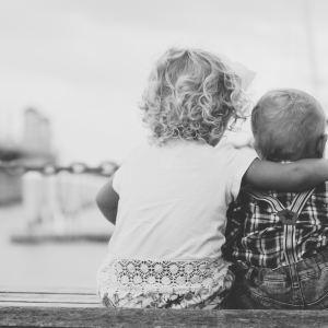 Zakaj so si otroci tako različni, ko pa prihajajo iz iste družine?