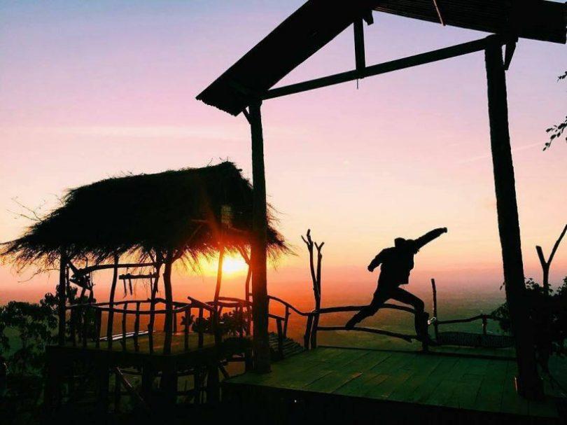foto sunset di puncak becici bantul jogja