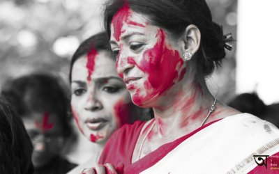 Riot of red – Sindoor khela or playing with vermillion Durga Puja 2014