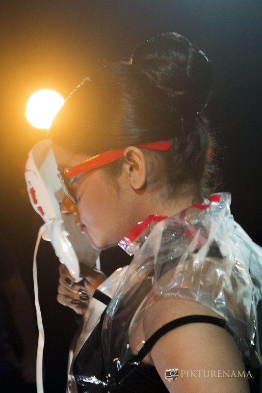 Ishita looks thrpugh her mask as a part of Fine Art photography workshop in kolkata by Agnimirh Basu