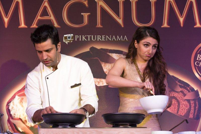 Magnum Ice Cream Launch at Kolkata CHef kunal Kapoor and Soha Ali Khan cooking up a Pathi Shapta