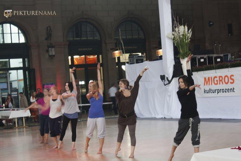 Beautiful girls practising at Hauptbahnhof Railway Station Zurich