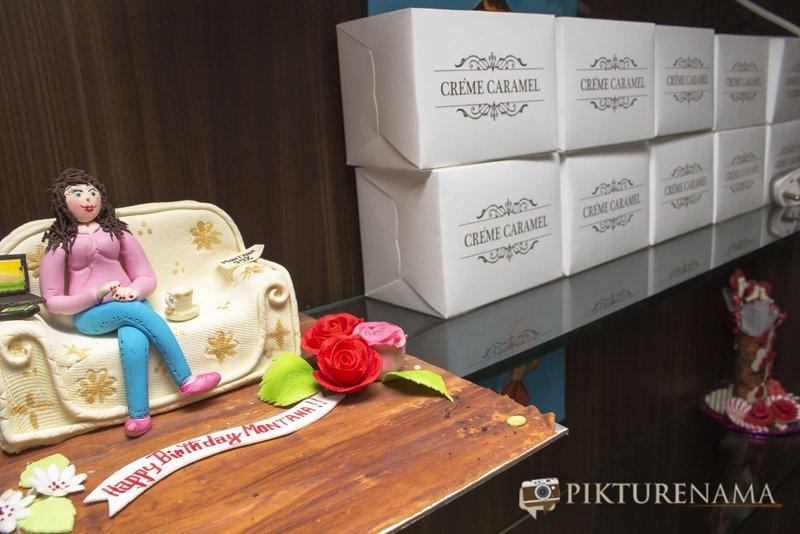 Theme cake at Creme caramel Kolkata reviewed by pikturenama