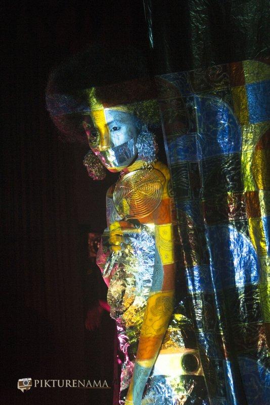 Pikturenama in Fine Art Photography workshop in Kolkata model satarupa with intense look