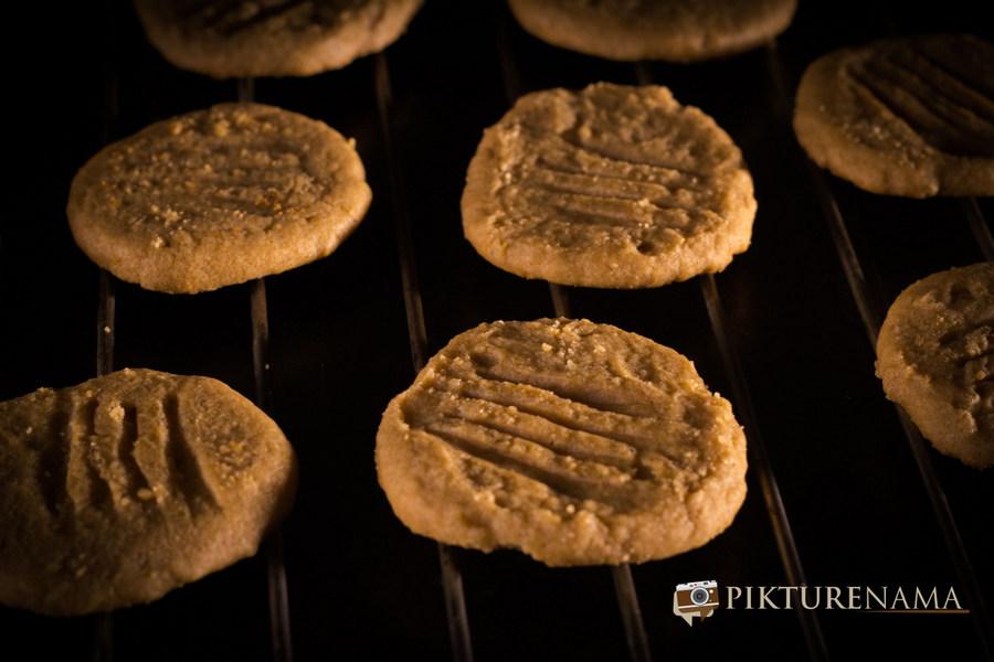 Peanut butter cookies by Pikturenama