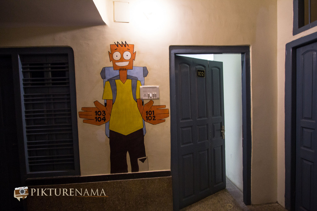 Varanasi Zostel by pikturenama room directions