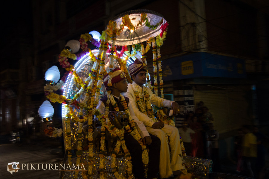 The groom and the best man Varanasi Wedding by Pikturenama