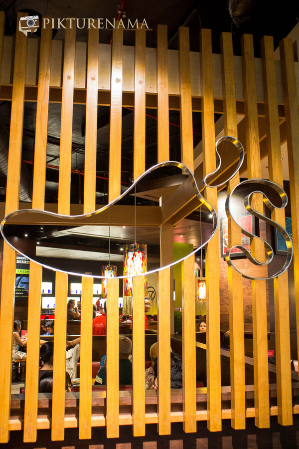 Chili's at South City Mall Kolkata interiors 2