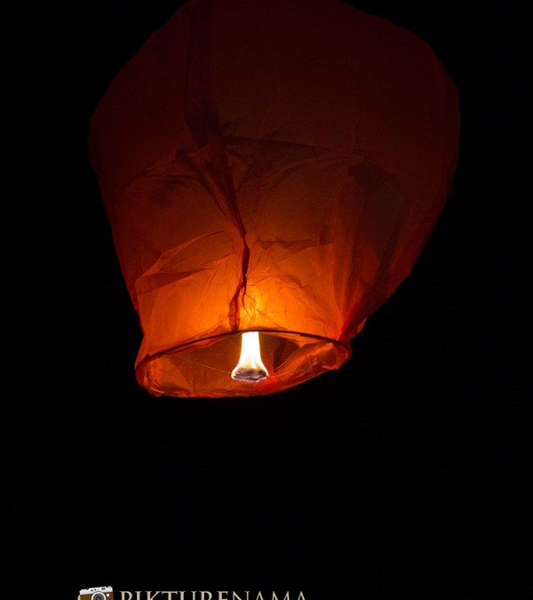 Sky Lanterns – our first time with Tugga