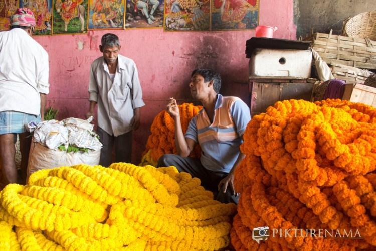 Mullick Ghat flower market Kolkata 9