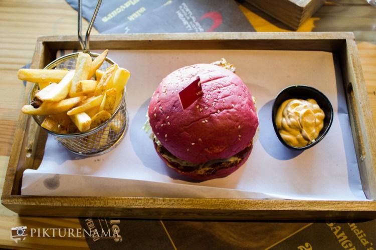 Barcelos Kolkata red burger with dip