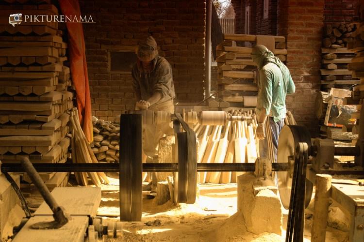 Inside the workshop Kashmir willow bat 1