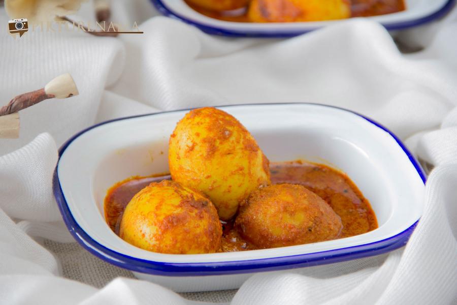 Delicious Achari Anda