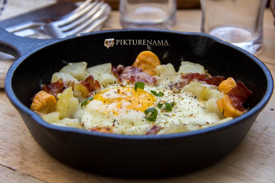 skillet baked eggs 2
