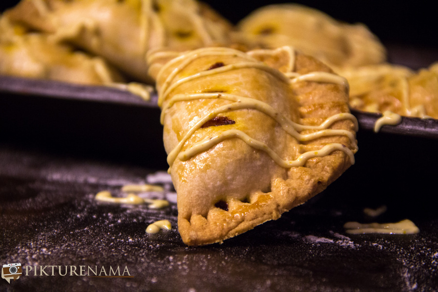 Pumpkin and prawn Hand pie It's Halloween time?
