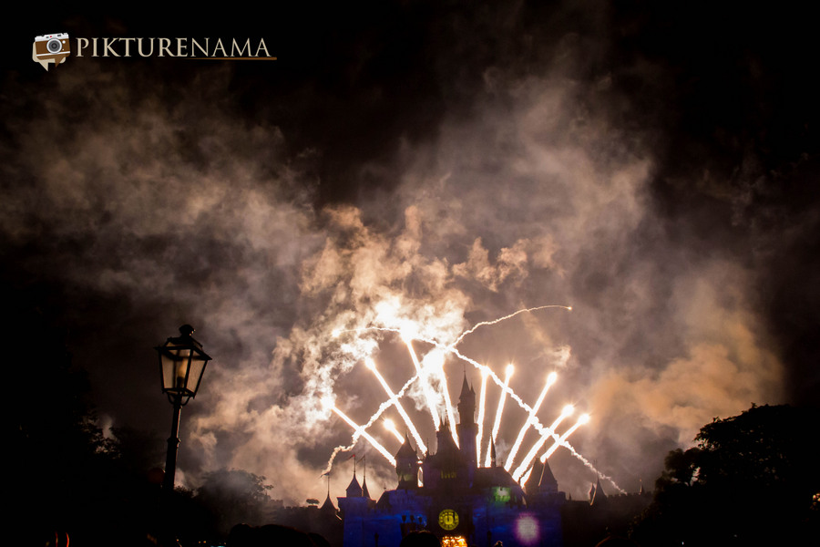 HongKong Disneyland fireworks – Disney in the Stars
