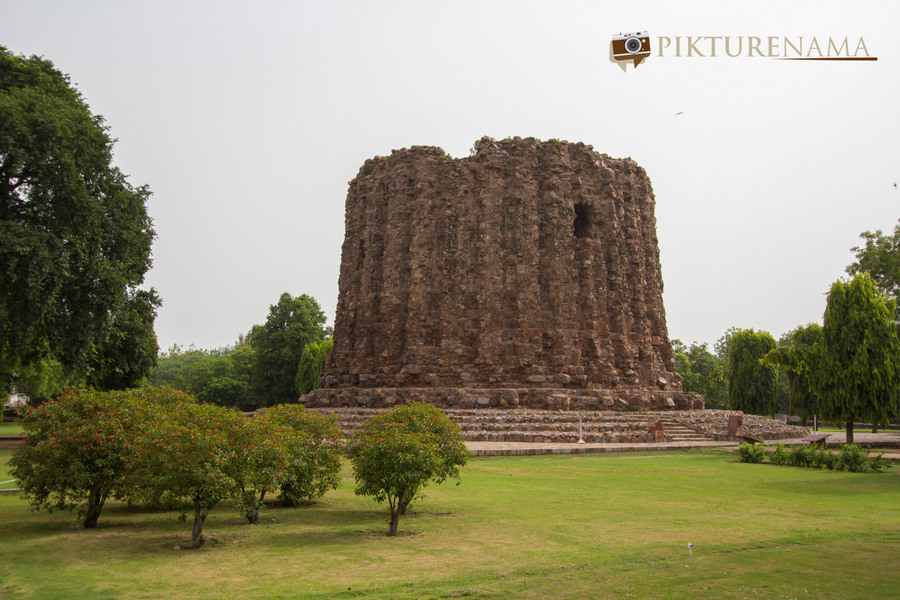 Qutub Minar and Qutub complex - 7