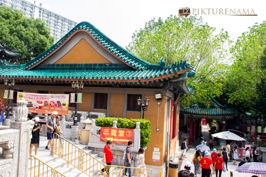 Wong Tai Sin temple HongKong and Man Mo Temple 21