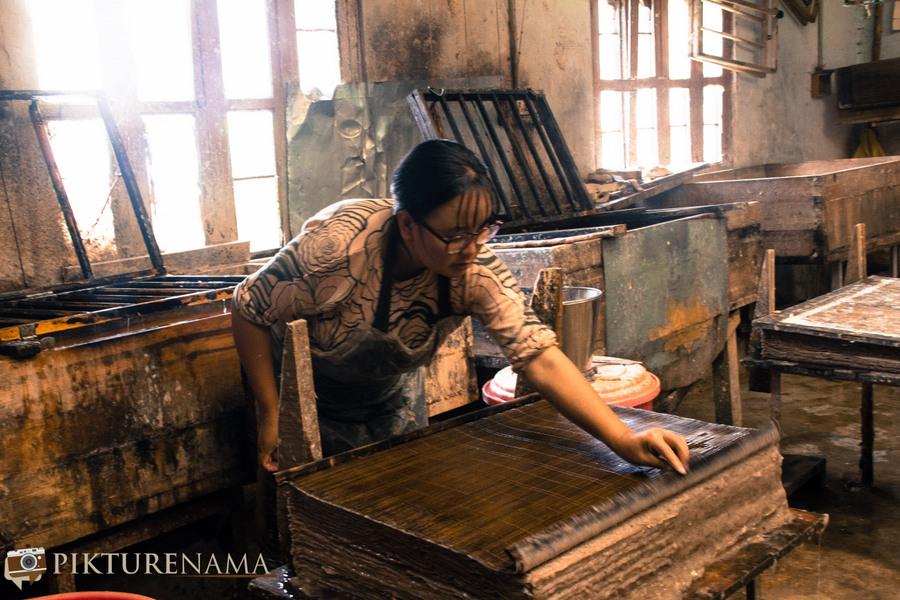 Jungshee Paper factory Thimpu Bhutan - 11