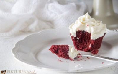Red Velvet Cupcakes and the Magic of Christmas