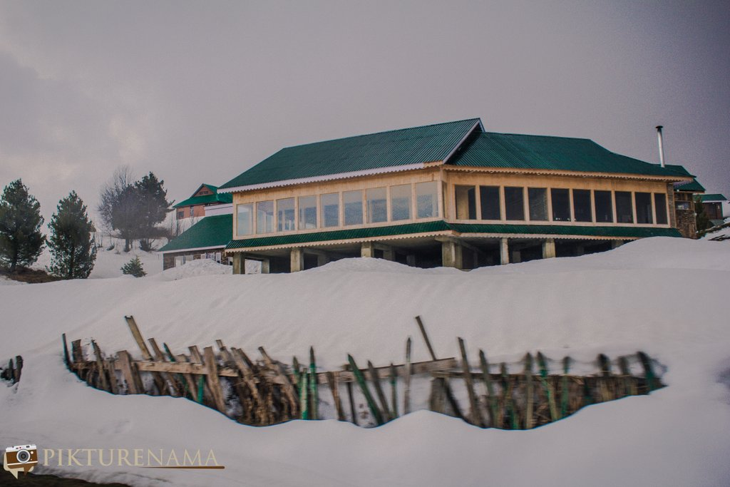 Nedous Hotel Gulmarg Kashmir - the first glimpse of the hotel