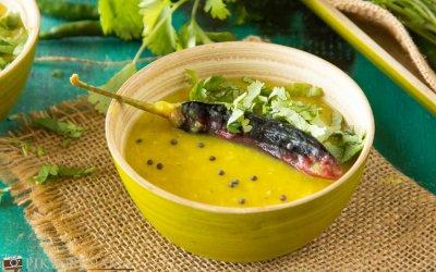 Kancha Tomato Diye Musurir Dal or Bengali Style Masoor Dal with Green Tomatoes