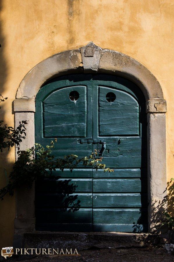 Il Falconaire Cortona Tuscany doors