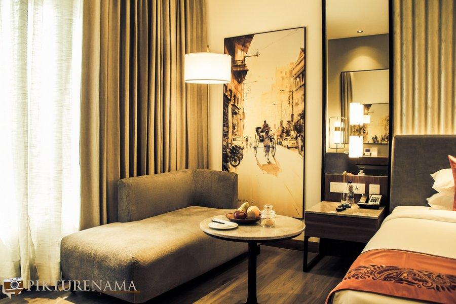 Vivanta Kolkata EM Bypass premium room 1
