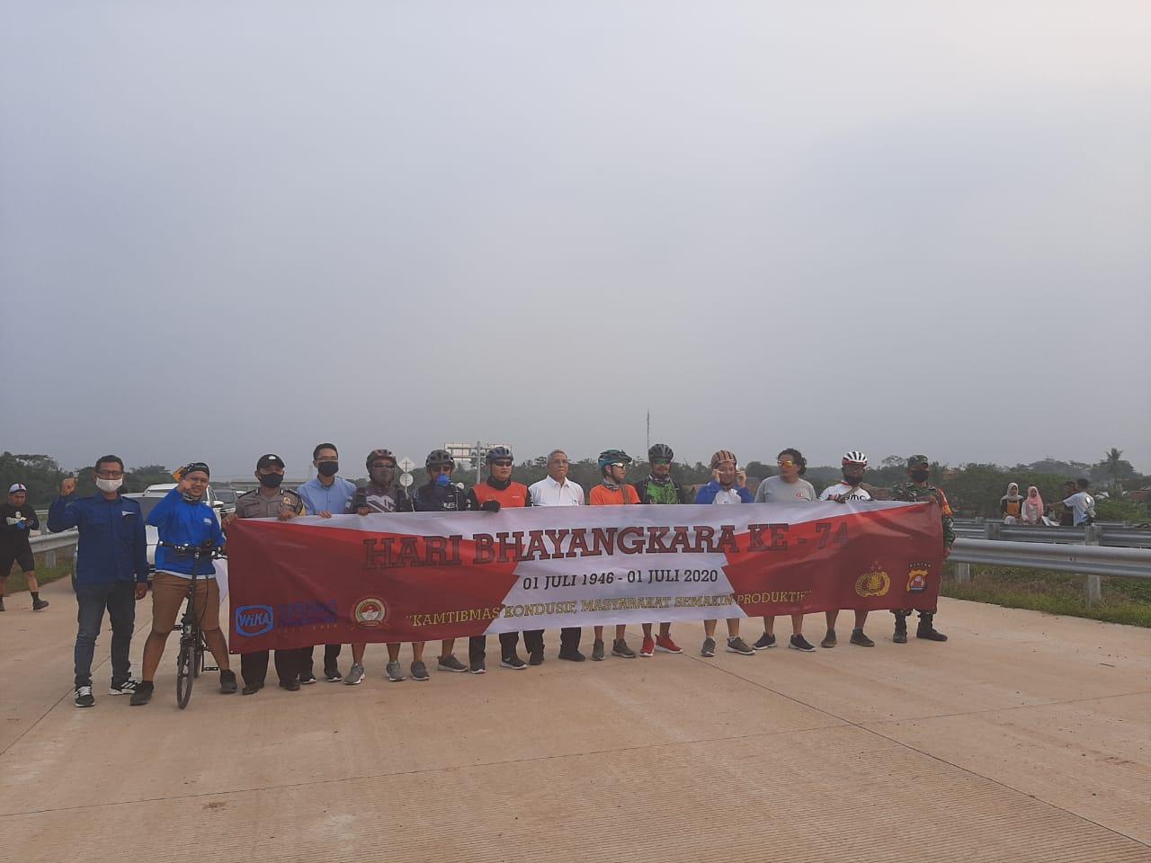 Ini Cara Komunitas Gowes Ucapkan HUT Bhayangkara