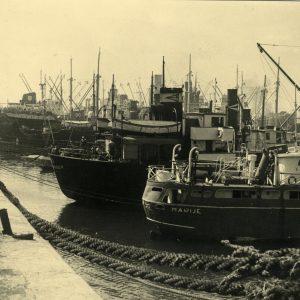 buques-atracados-en-el-puerto-de-gijon