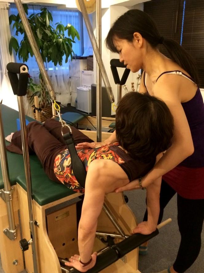 Pilates Equipment Machine Excecise handson ピラティス マシン エクササイズ ハンズオン スリング 側湾症
