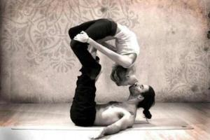Yoga kiss pose